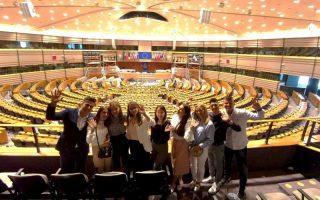 Želimo da živimo u našoj zemlji – poručili srednjoškolci prilikom  posjete institucijama EU u Briselu