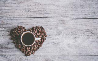 Nekoliko znakova da dnevno pijete previše kafe